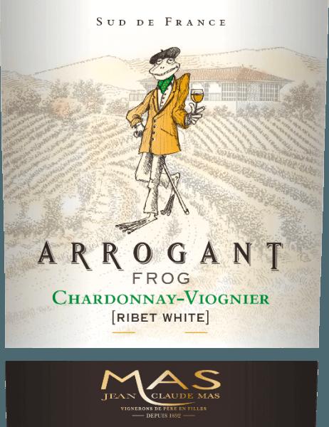 El Ribet Blanc de Arrogant Frog es un sedoso vino blanco francés de las variedades de uva Chardonnay (70%) y Viognier (30%). En la copa, este vino se presenta con un rico color amarillo dorado con matices verdosos. Este vino blanco francés convence con una nariz elegante que combina aromas afrutados de frutas tropicales, como la piña y el melocotón, y cítricos frescos con toques de vainilla. Los aromas afrutados de la nariz se reflejan también en el paladar. El cuerpo sedoso y fresco se apoya en una acidez muy equilibrada. Este vino se cierra con un largo final. Vinificación del Ribet Blanc Chardonnay Viognier Rana Arrogante Tras la vendimia, las uvas se despalillan por completo en la bodega. Las dos variedades de uva de este vino se vinifican por separado. El mosto se fermenta durante unas 3 semanas en depósitos de acero inoxidable a temperatura controlada (máximo 18 grados centígrados). El 30% del Chardonnay se envejece en barricas de roble; el 70% restante y el Viognier permanecen en depósitos de acero inoxidable. Recomendación de comida para el Arrogant Frog Chardonnay Viognier Disfrútelo con verduras crujientes, sushi, platos mediterráneos de marisco y pescado, aves blancas, postres de frutas y platos de la cocina asiática. Premios para la Rana Arrogante de Ribet Blanc Mundus Vini: Plata para 2017 Mundus Vini: Oro para 2016