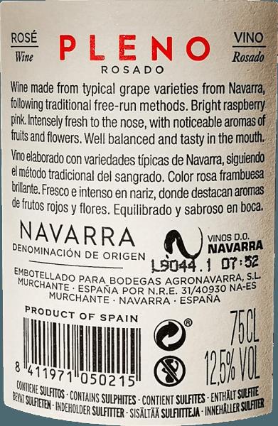 El radiante color rosado del Pleno Rosado de Bodegas Agronavarra recuerda a las fresas frescas, que también caracterizan el aroma afrutado y fresco, agradablemente perfumado. Además, se perciben aromas de frambuesas y flores de saúco, refinados con finos matices especiados de melisa y menta. En el paladar, este rosado sin complicaciones impresiona con mucha fruta jugosa y frescura, así como con una estructura ácida compacta y taninos discretos. Vinificación del Pleno Rosado Las uvas de Garnacha vendimiadas a máquina y manualmente se trituran y se someten a una fermentación a temperatura controlada en depósitos de acero inoxidable. A continuación, el vino se afina en depósito durante unos meses y finalmente se embotella. Recomendación alimentaria para el Agronavarra Pleno Rosado Recomendamos esta maravillosa Garnacha Rosada de Navarra en el norte de España para ensaladas, pizza, pasta con salsas oscuras, platos a la parrilla y pescado.