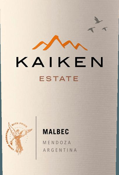 El Kaiken Malbec es un vino tinto de Argentina, con el que Aurelio Montes -el cerebro de Montes Wines en Chile- ha cumplido un sueño largamente acariciado. Con muchos años de experiencia en la elaboración de vinos y una sensacional sensibilidad por el terruño y la vid, este noble vino fue creado a partir de la clásica variedad de uva argentina Malbec. El vino Kaiken cumple con las más altas exigencias de carácter y complejidad sin perder la elegancia juvenil y la diversidad de aromas. El Montes Kaiken Malbec brilla en color violeta intenso en la copa. En nariz, se despliegan sus exuberantes aromas frutales, que recuerdan a las bayas oscuras, como los arándanos y las grosellas negras, pero también a las fresas maduras y a la ciruela pasa. Se acompañan de finas notas de especias y cacao, pimienta, café, vainilla y tabaco, procedentes de la crianza en barrica. En boca, este tinto de Kaiken sorprende por su suave estructura y su excelente equilibrio entre los carnosos taninos y la intensa fruta de las fresas y los arándanos. En su final intenso y duradero se refleja una vez más la crianza en madera y el terruño único de Mendoza. Cultivo y vinificación del Kaiken Malbec Aurelio Montes es un célebre experto en vinos cuyos vinos chilenos Montes han alcanzado fama mundial. Junto con otros tres expertos en vino, comenzó a producir en 1988 vinos chilenos que se distinguían de los estándares de la época y que le valieron grandes elogios en el Viejo Continente. Un nuevo reto le llevó a Argentina en 2001, donde Aurelio comenzó a adquirir emplazamientos en las mejores zonas como Maipú, Cruz de Piedra, Ugarteche, Agrelo y el Valle de Uco para sus vinos Kaiken. Finalmente, en 2003, salió a la venta la primera añada del vino Malbec Kaiken, una mezcla de Malbec y Cabernet Sauvignon que supo combinar el terruño y el clima de Mendoza. ElKaiken Malbec refleja la premisa de Aurelio Montes de elaborar vinos con carácter, elegancia, expresión y máxima calidad. El Kaiken Malbec está compues