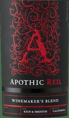 El objetivo de los viticultores que están detrás de Apothic Wines es crear vinos con carácter, que al mismo tiempo atraigan a una amplia masa. Para ello, la viticultora Debbie Juergenson se basa en las peculiaridades de cada una de las clases de uva que se incluyen en los vinos apóticos. Así, hoy en día, han creado las extraordinarias cuvées Apothic Red y Dark, una afrutada, la otra más bien ácida. El encanto gótico de las etiquetas, que alude a la oscura y misteriosa Edad Media, da a los vinos otro punto de venta único. Un compañero ideal para una velada histórica o para la próxima película de miedo El Apothic Red de Apothic Wines de California ofrece un color rojo carmesí brillante en la copa arremolinada. Vertido en una copa de vino tinto, este vino tinto de EE.UU. ofrece maravillosos aromas de cereza negra, mora, ciruela y arándano, redondeados por canela, vainilla y especias orientales. El Apothic Wines Apothic Red nos muestra un paladar increíblemente frutal, lo cual no es gratuito debido a su perfil de sabor de dulzor residual. En la lengua, este vino tinto equilibrado se caracteriza por una textura increíblemente densa. Gracias a su equilibrada acidez frutal, el Tinto Apótico halaga el paladar con una sensación aterciopelada sin que le falte frescura al mismo tiempo. El final de este joven vino tinto de la región vinícola de California convence finalmente con una buena reverberación. Vinificación del Apothic Wines Apothic Red El equilibrado Apothic Red, procedente de Estados Unidos, es un vino base elaborado con las variedades de uva Cabernet Sauvignon, Merlot, Primitivo y Shiraz. Tras la vendimia manual, las uvas se llevan inmediatamente a la bodega. Aquí se seleccionan y se dividen cuidadosamente. La fermentación se realiza en depósitos de acero inoxidable a temperatura controlada. Una vez terminada la fermentación, el Tinto Apótico puede seguir armonizándose en las lías finas durante unos meses. Recomendación de alimentos para Apothic Wines Apothic Red Es