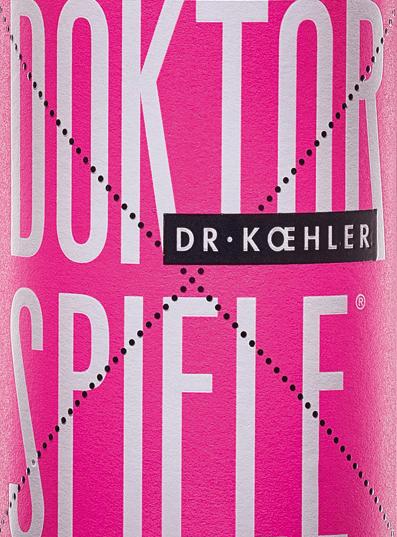 El Doktorspiele Rosé de Dr. Koehler brilla con un tono rosado resplandeciente. La cuvée está compuesta por las cuatro variedades de uvaCabernet Sauvignon, Frühburgunder, Merlot y Spätburgunder. En nariz, el vino de Rheinhessen muestra un claro bouquet de granada con finos matices de bayas rojas. El paladar del Doktorspiele Rosé de Dr. Koehler se mima con aromas de cerezas jugosas, frambuesas maduras y un sutil dulzor frutal. La impresión obtenida en nariz se repite con finos matices en el paladar. El cuerpo convence por su potencia y su estructura de filigrana. Un vino con una frescura vital y un final que se deja llevar por las frutas rojas dulces. Recomendación de comida para el Doktorspiele Rosé Disfrute de este vino rosado de Rheinhessen, maravillosamente bebible, con mariscos a la parrilla o verduras mediterráneas.